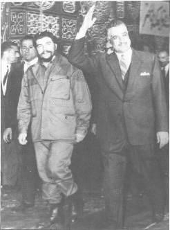 Caminando con el presidente egipcio Nasser.