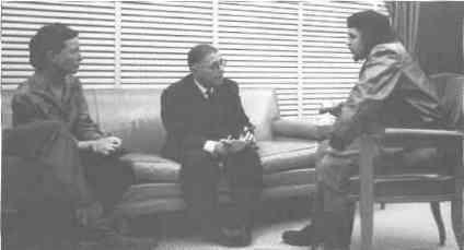 Plática entre Che Guevara y Jean Paul Sartre.