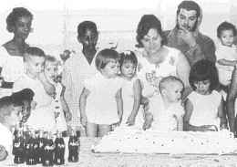 Even Che drank Coke. During Camilo's birthday party, his first son.