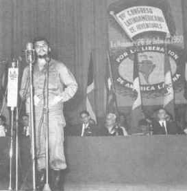 Hablando a las Juventudes Coomunistas.